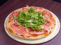 Pizza Jamón crudo rúcula y parmesano