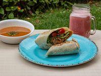 Wrap Carne desmechada + Sopa + Jugo