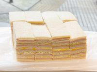 Sándwiches triples surtidos tradicionales x 50 unidades