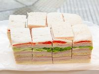 Promo 16 - Sándwiches surtidos familiares (48 unidades)