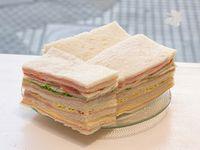 Promo 11 - Sándwiches surtidos clásicos 4 (12 unidades)
