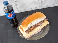Promoción - Sándwich de lomo completo + gaseosa línea Pepsi 500 ml