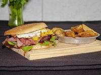 Hamburguesa doble carne moquehuá + papas fritas