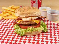 Combo - Hamburguesa carnitza + Papas fritas + Bebida a elección
