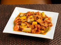 Cerdo con salsa de damaso  (plato grande)