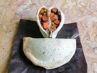 Empanada de  zanahoria, choclo, morrón rojo y chedar vegano