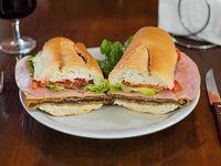 Sándwich de milanesa de carne completa