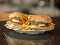 Promo - 2 hamburguesas con queso cheddar, lechuga, tomate, huevo y mayonesa al pan con papas fritas