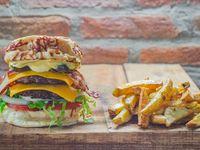 American Burger con papas fritas