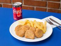 Nugget (6 un) con papa Fritas (150 grs) + bebidas lata 220 cc