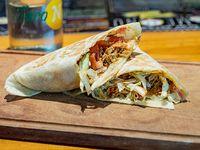 Mega burrito de cochinita marinada en salsa de achicote