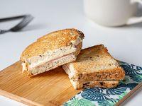 Sándwich tostado de jamón y queso (200 g)