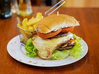 Promo - Hamburguesa triple carne + papas fritas