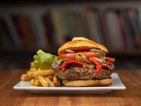 Burger a tu gusto con papas fritas