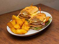 Sándwich de milanesa de pollo completo