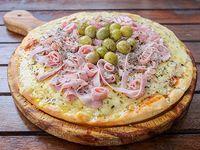 Pizza de provolone con jamón