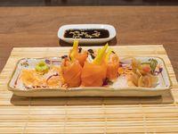Geishas de salmón fresco, langostino, queso y mango