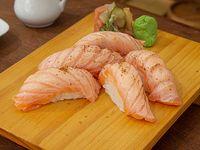 Niguiri de salmón mediterráneo