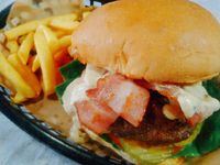 Full Bacon Burger