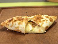 Empanada de queso al verdeo
