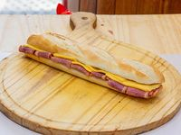 Sándwich de pastrón y queso