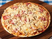 Pizza con pollo goloso mediana