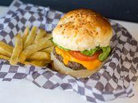 Promo buger 2 - Burger de ternera de 130gr lechuga, tomate y huevo + papas fritas