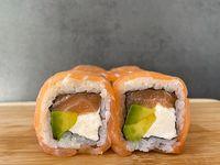 23 - Sake cheese roll