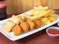 Combo trío 1 - 4 nuggets de pollo + 4 empanadas ravioleras (cuadradas) + papas fritas + bebida 250 ml