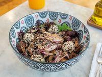 Ensalada portobelo salad con trufas de ricota
