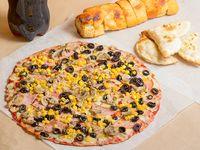 Promo 6 - Pizza familiar XL + porción de pan de ajo premium + 4 empanadas de queso + gaseosa línea Coca Cola 1.5 L