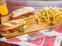 Combo - 2X1 Sándwich chico de milanesa con lechuga y tomate + papas fritas + bebida