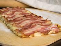 Pizza muzzarella con jamón y panceta mediana