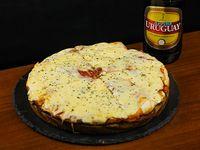 Promo 2 - Pizzeta grande extra muzzarella + bebida a elección