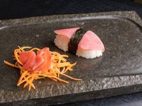 Niguiris de atún colorado (5 piezas)