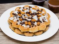 4 Waffles con almendras, coco y chips
