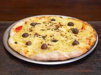 Pizza con muzzarella, jamón y ananá