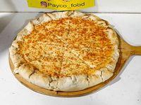 Pizza mozzarella con borde relleno