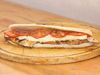 Sándwich de pollo napolitano
