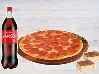 Combo Pizza Mediana + Gaseosa 1.5 Litros + 2 Postres.