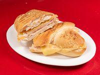 Sándwich de panini con jamón y queso