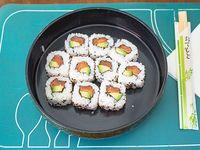Uramaki de salmón y palta (10 unidades)