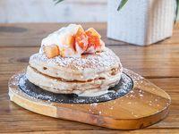 Pancakes & fruits
