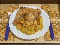 Pollo al horno con papas rústicas