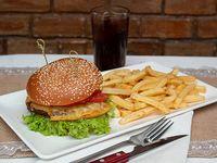Menú niño Hamburguesa papas fritas bebida 350 ml o jugo