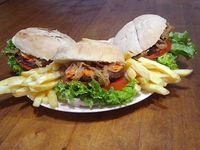 Combo - 3 hamburguesas benji + papas fritas + gaseosa 1, 5l