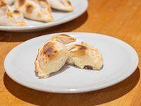 Empanada cinco quesos