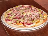 Pizza con jamón grande