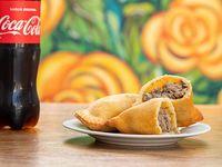 Combo 1 - Empanadas de carne (2 unidades) + Coca-Cola 500 ml