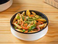 Pasta al wok con vegetales